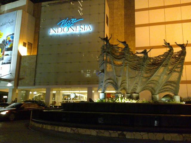 Plaza Indonesia, Jakarta, Indonesia (2009)