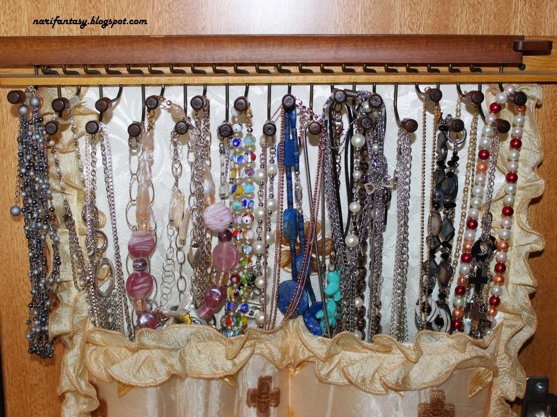 Nari fantasy come realizzare un pannello porta collane in tessuno fai da te - Porta collane fai da te ...