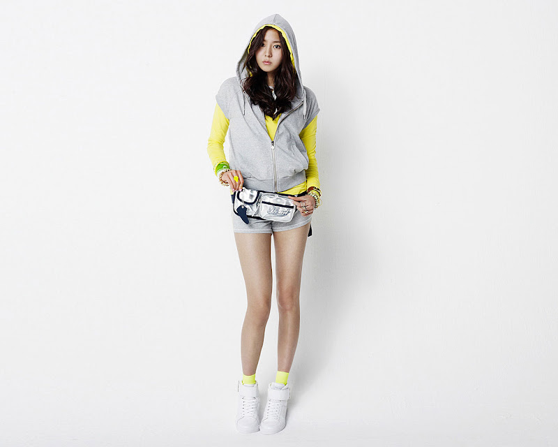 Here are some more pictures of UEE. Enjoy!! title=