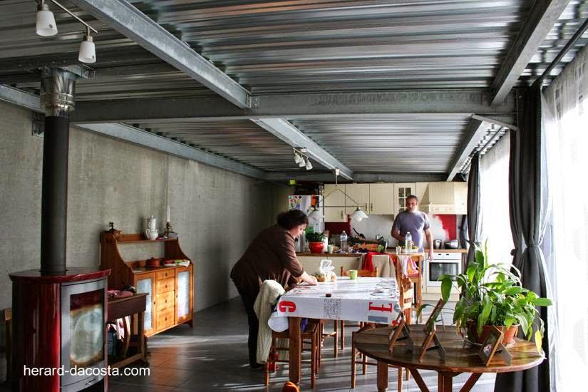 Open plan sector del comedor y la cocina