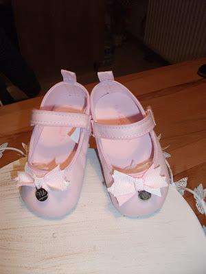 pembe bebek ayakkabısı