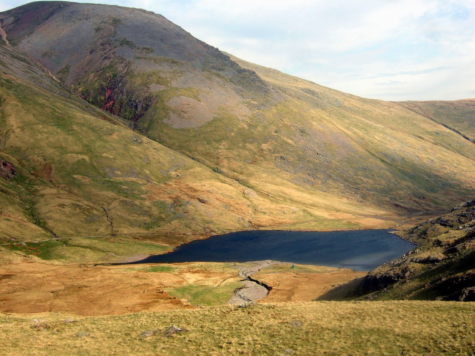 styhead tarn and green gable