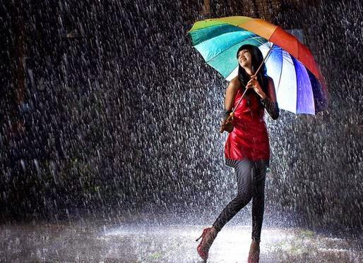 Gambar Hujan Cewek Csntik Pakai Payung Indah Romantis