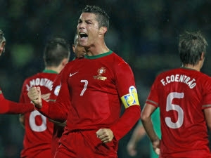 KARTUN Omar Omani: Cristiano Ronaldo Dan Miroslav Klose Raih Gelar Master