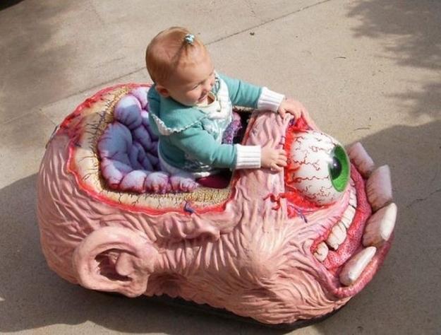 Resultado de imagem para brinquedos horrendos