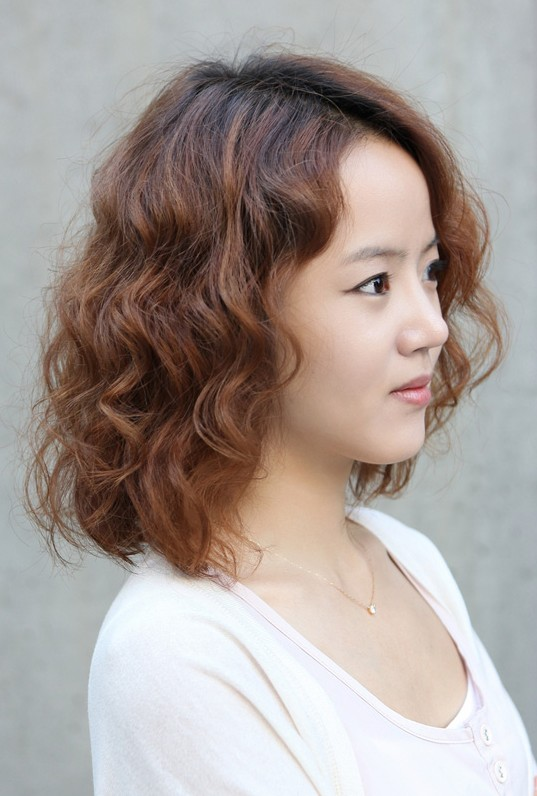 korean short curly hairstyle nice korean hairstyle for curly hair