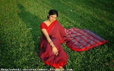Bangladeshi entertainment perfomer