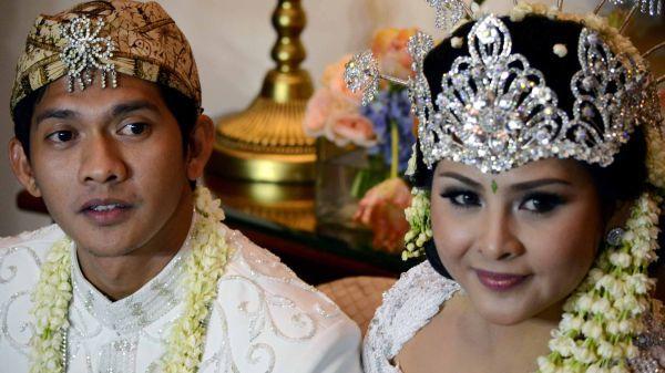 Nikah Mendadak, Iko Bantah Audy Hamil Duluan [ www.BlogApaAja.com ]