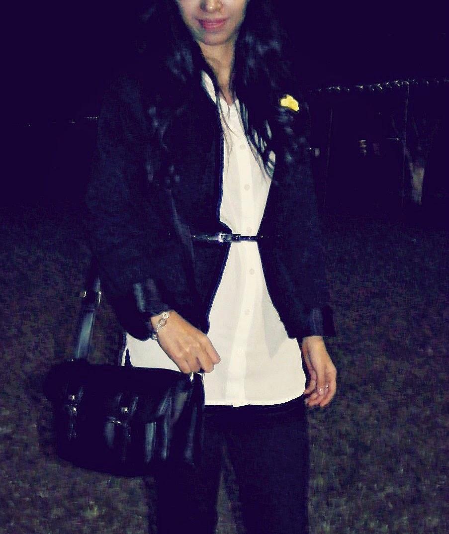 http://outfitdeldia.blogspot.com/2014/11/look-formal-pantalon-negro-y-blusa.html