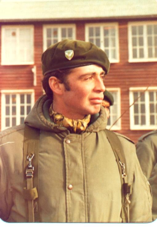 Teniente Roberto Estévez – Muerto en Combate – Héroe de Malvinas ...