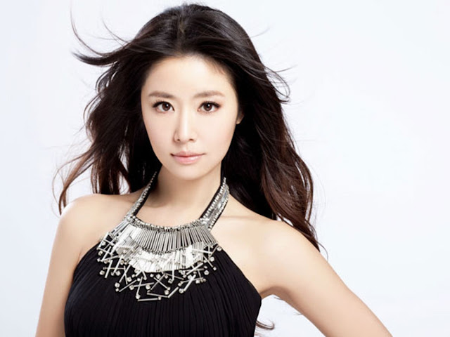 Beautiful Ruby Lin Wallpaper