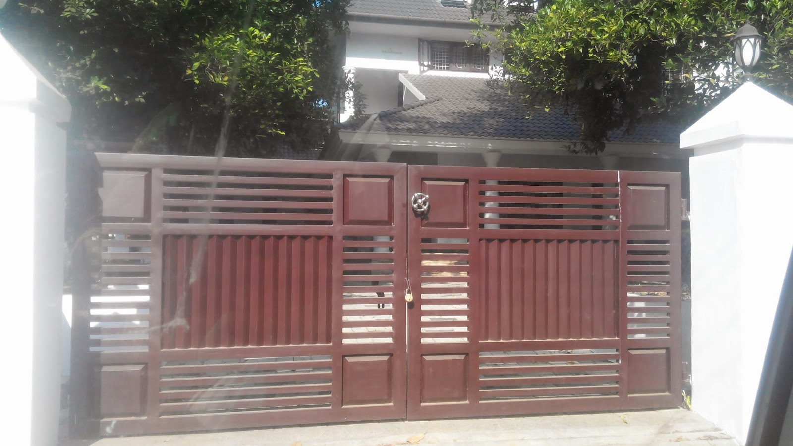 Kerala gate designs more front gates of houses in kerala for Front gate design
