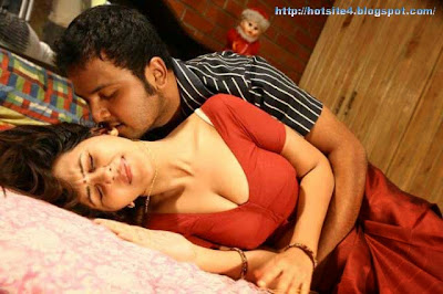 Indian Hot Couple 2014 Hd Wallpapers - Shanthi Hot Movies Wallpapers 2014 Download