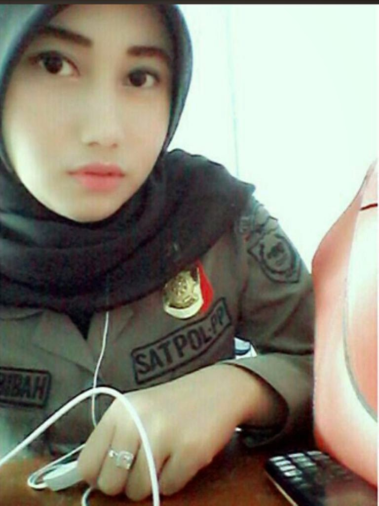 Foto Cantik Nurul Habibah Satpol PP