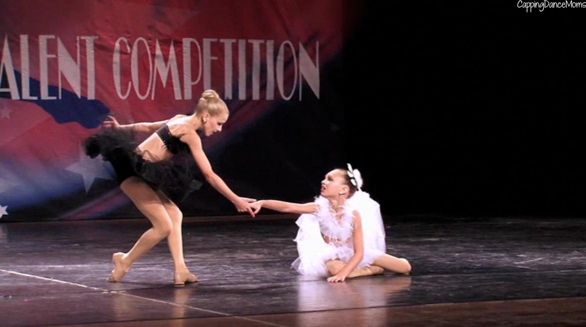 Dance Moms: Black Swan - Pictures