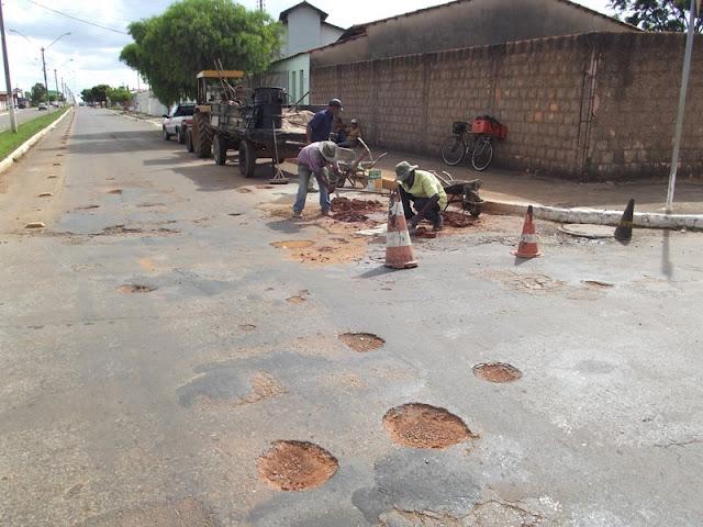 Prefeitura inicia operação tapa-buracos em Cristalina