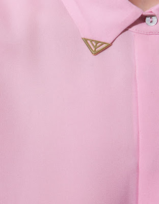 pink shirt, collar tips
