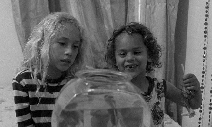 59 SEMINCI. Sección Oficial. Crítica de 'Little Feet' ('Pies pequeños'): Cine indie y experimental en estado puro