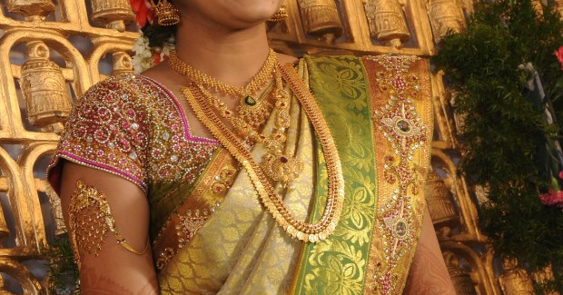 South Indian Bride With Kasumala And Antique Jewelry
