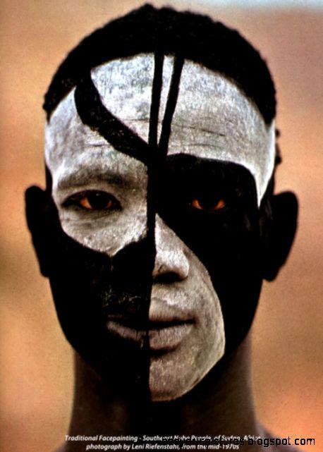 Traditional Bodyart – Nuba Sudan Africa – 1 changing my