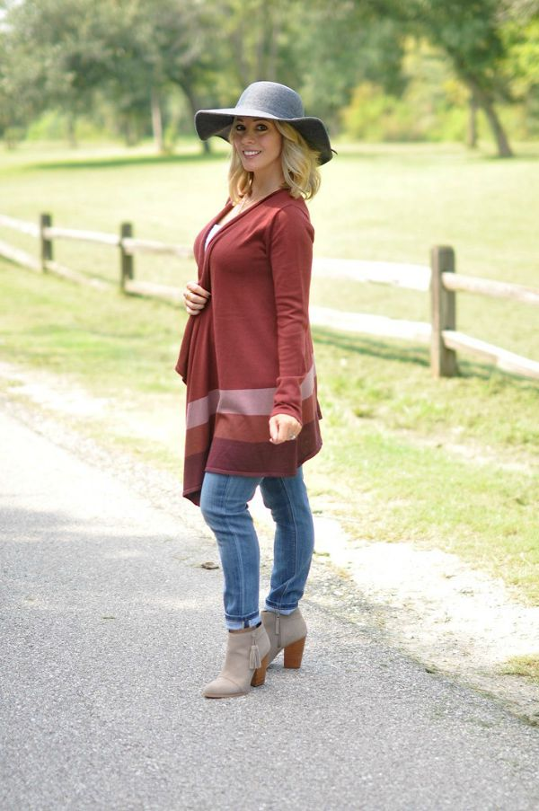 Fall Fashion - plum cardigan, skinny jeans and booties