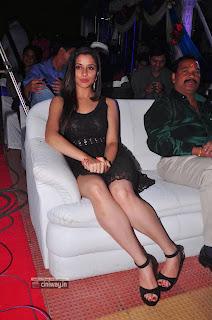 Actress-Madhurima-Stills-at-Yes-Mart-Dasara-Diwali-2013-Bumper-Draw
