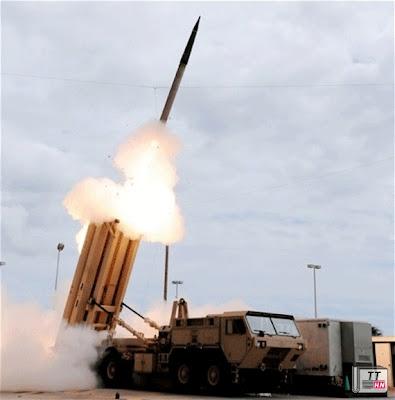 THAAD phóng tên lửa từ bệ phóng di động