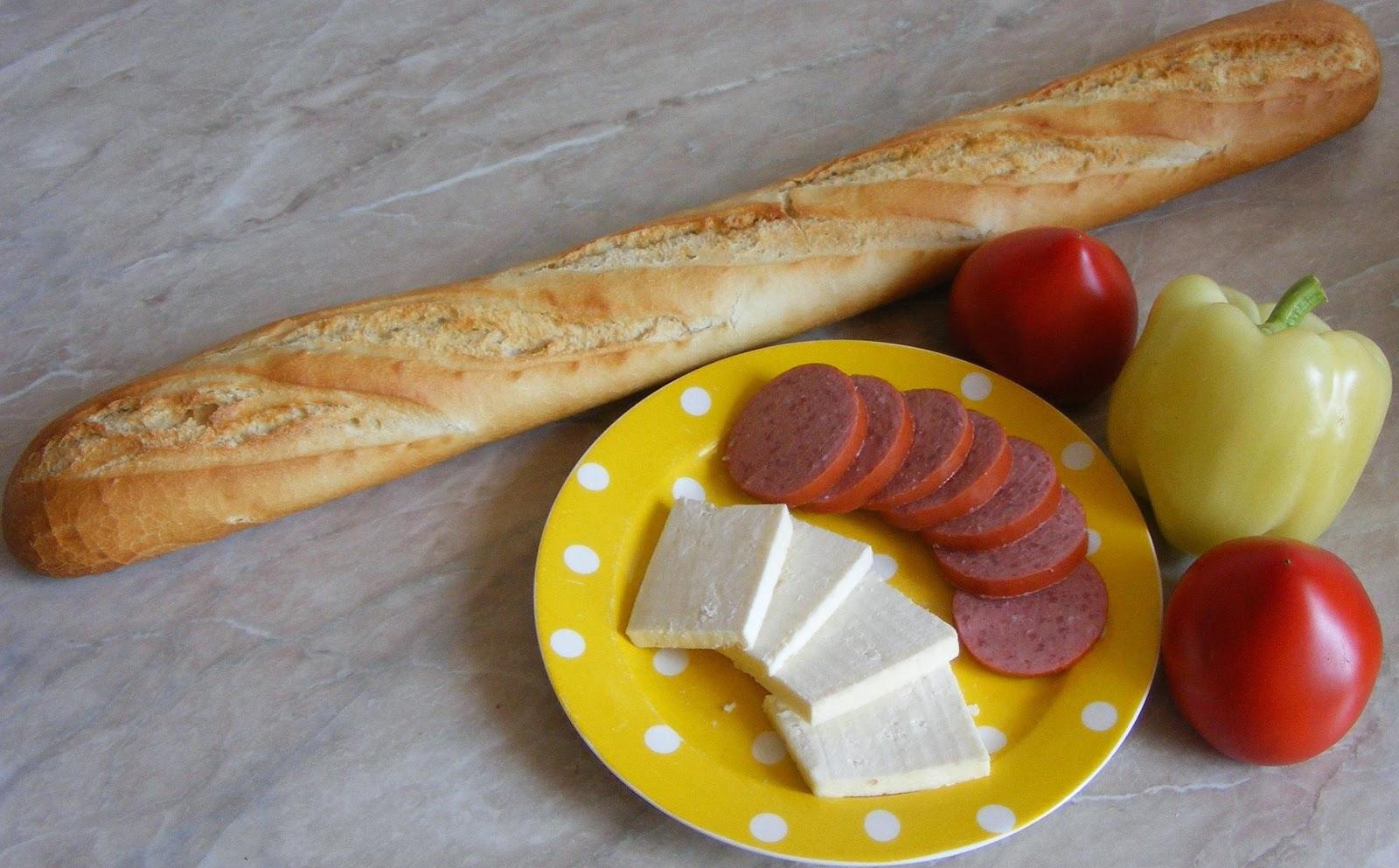ingrediente bagheta cu crenvursti, ingrediente sandwich, ingrediente pentru sandwichuri, retete si preparate culinare sandwich din bagheta cu crenvursti, cum se prepara sandwich, cum facem sandwich,