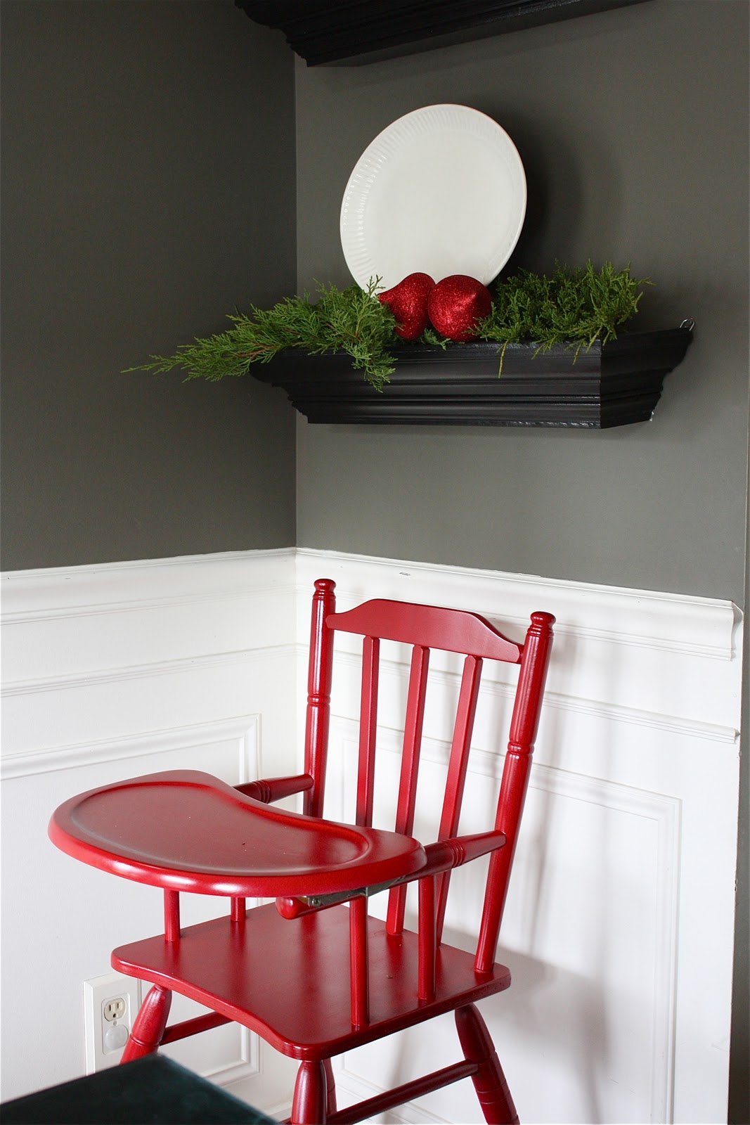 Painted wooden high chair - Holiday Home Series Christmas Highchair