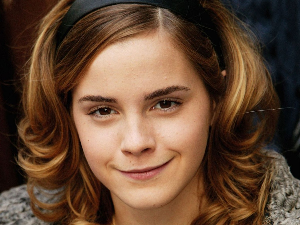 http://3.bp.blogspot.com/-U19p9rouylw/T9i0v_-WzlI/AAAAAAAAB9I/WWb4uucEeyY/s1600/emma-watson-high-qality-smile.jpg