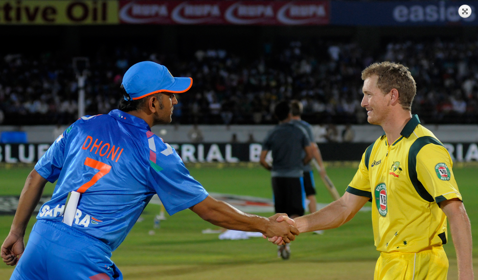 MS-Dhoni-Geroge-Bailey-india-vs-australia-star-sports-T20-Cup-2013