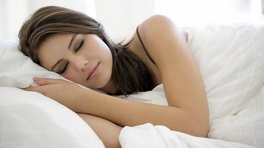 10 Kebiasaan Wajib Sebelum Tidur untuk Menjaga Kecantikan