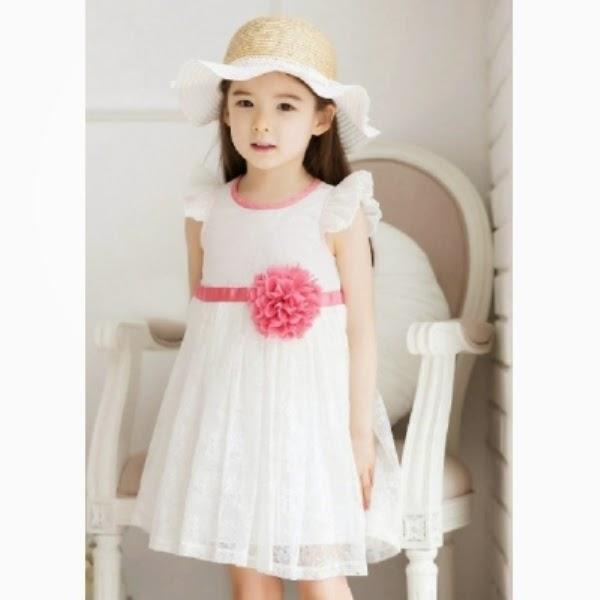 Anak perempuan cantik memakai dress korea brokat model baru