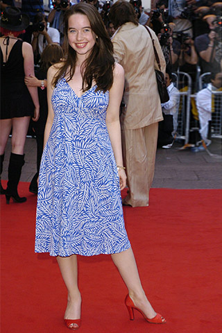 Anna Popplewell-Feet-Hot-Body-Parts