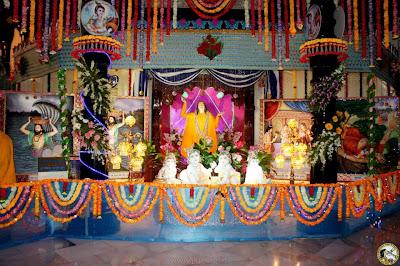 Jagadguru Kripaluji Maharaj and Krishna Janmashtami 2012 leelas