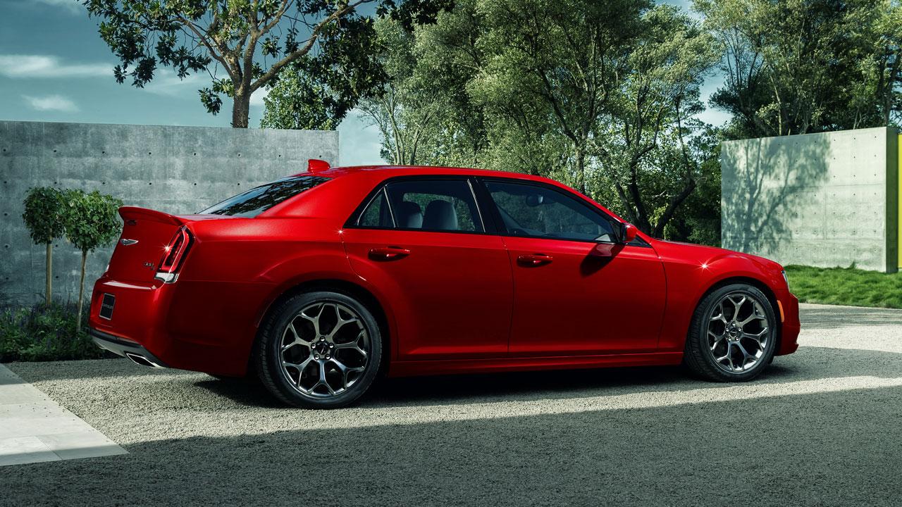 Chrysler 300 side