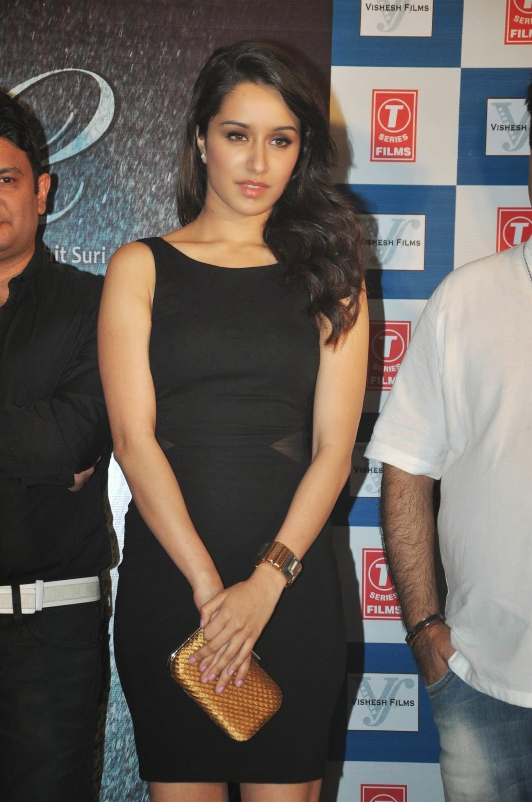 Sexy Shraddha Kapoor in LBD @ Aashiqui 2 Success Bash hd photo