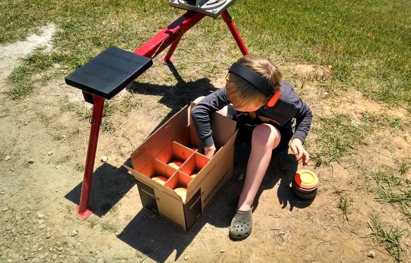loading clay targets