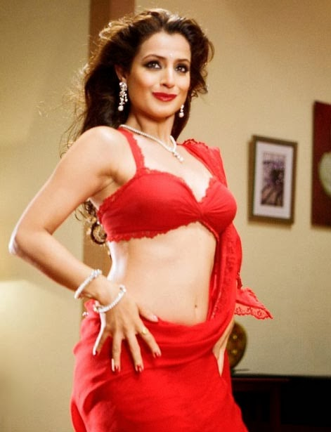 Ameesha Patel HOT Chatur Singh Two Star