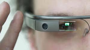 Aksi Konyol Ungkap Kelemahan Google Glass