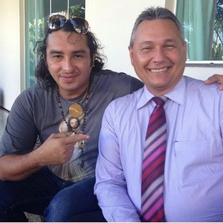Cantor Vicente Nery deixa clínica de reabilitação