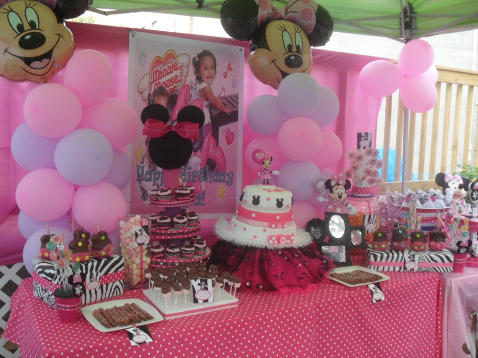 Regina 39 s party events kayla 39 s 1st birthday minnie mouse for Baby minnie mouse party decoration ideas