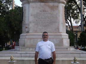 EN LA PLAZA BOLIVAR DE MERIDA