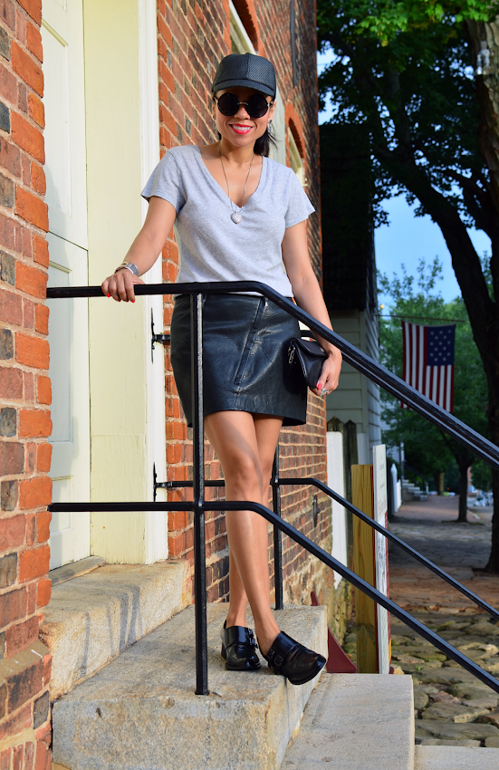 LEATHER SKIRT OUTFIT IDEA