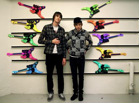 Snake & Jet's Amazing Bullit Band