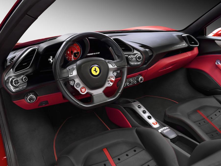 「フェラーリ488GTB」のインテリアデザイン