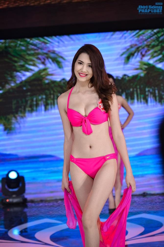 Ảnh gái xinh Hoa hậu miền bắc 2014 với bikini 9