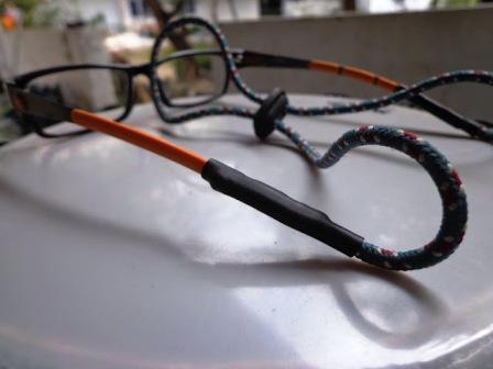 membuat tali kacamata