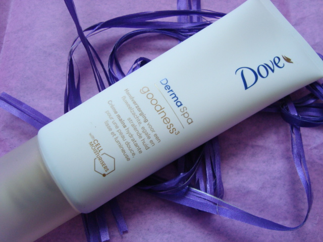 Dove Derma Spa, Goodness - krem do rąk wyrównujący koloryt skóry