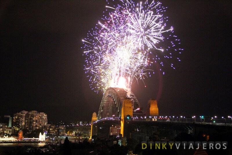 Fuegos artificiales desde el Harbour Bridge de Sydney